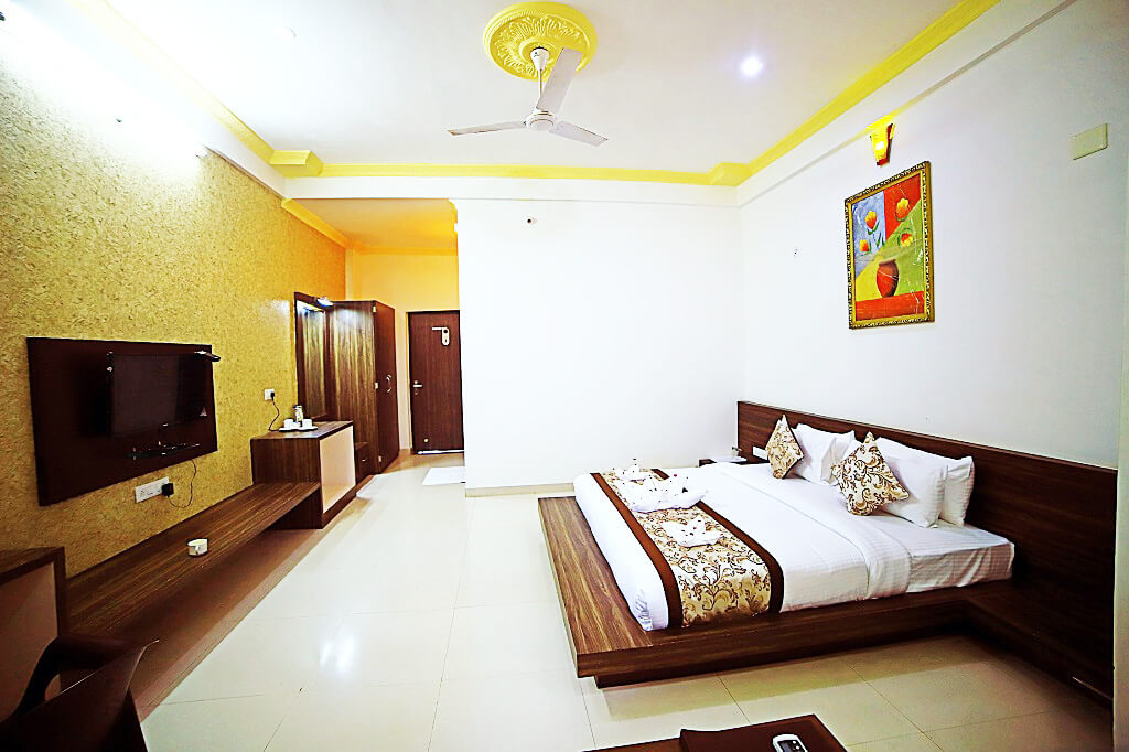 Deluxe Hotels in Udaipur
